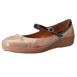 FitFlop Womens' Pop Patent Flat in Nude